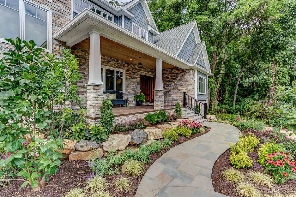 This exquisite property loves to make an entrance!