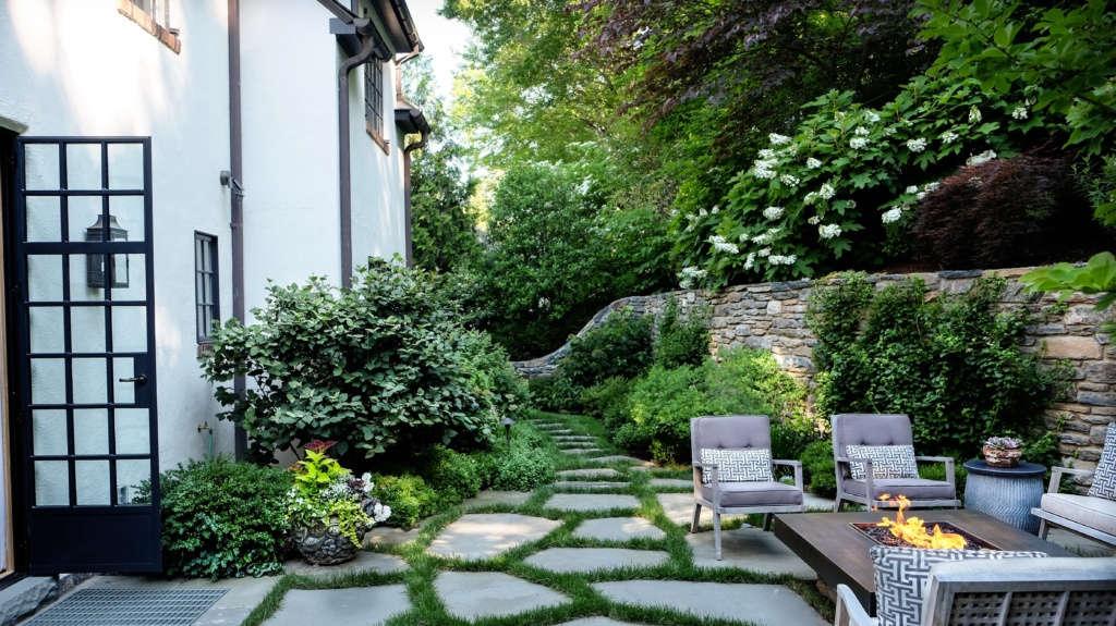 Wrap-around Garden Rooms