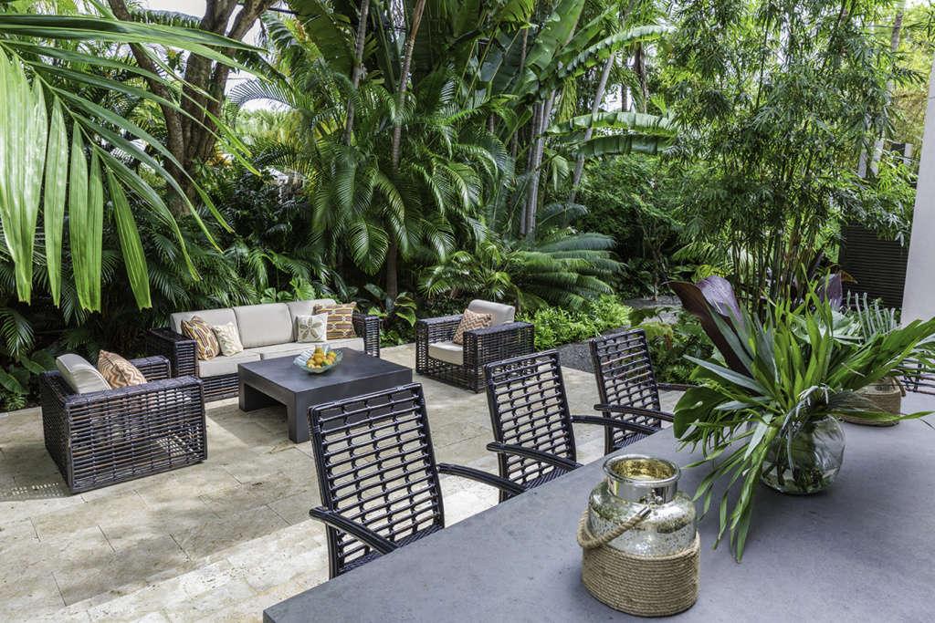 Modern Key West Indoor/Outdoor Living