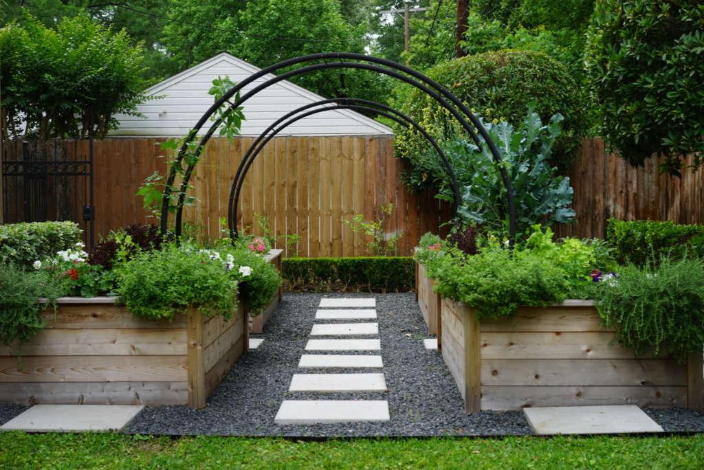 Modern Kitchen Garden Getaway