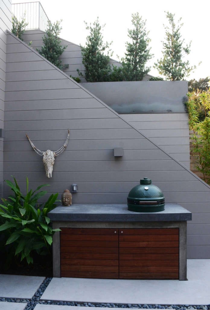 Minimalist Outdoor Kitchen