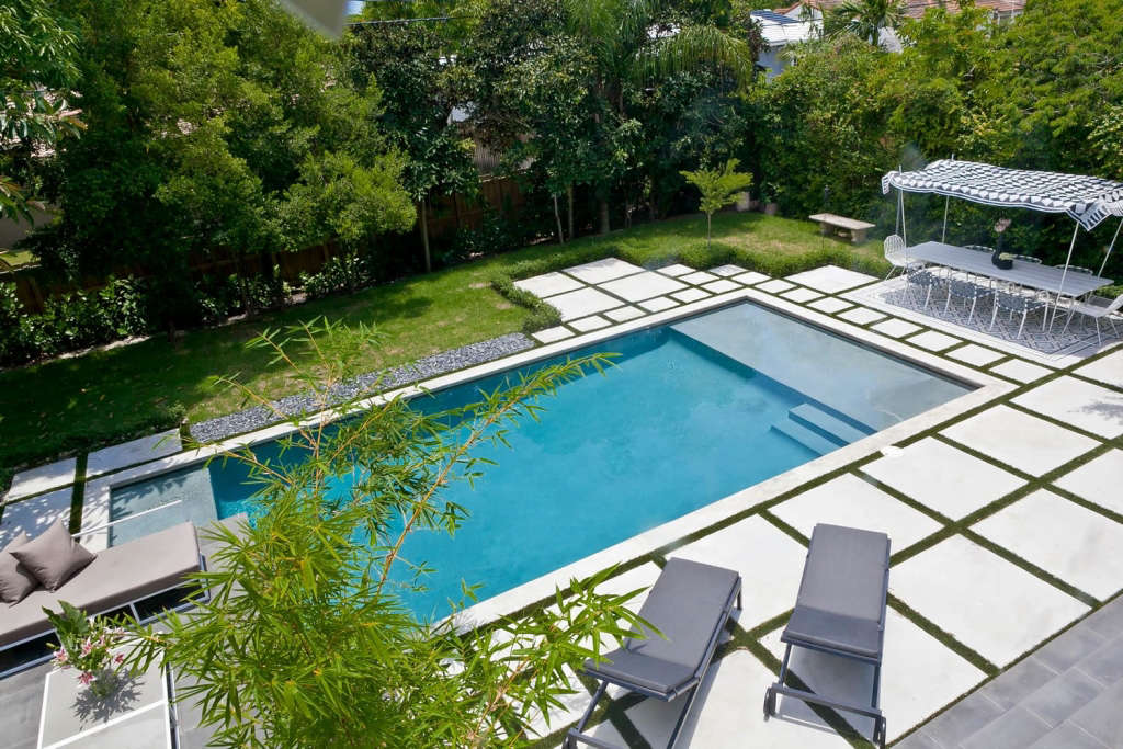 Outdoor pool (View from the top)