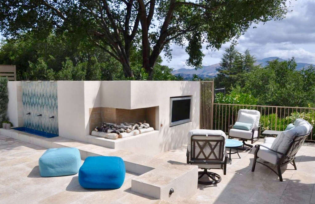 Cantilevered Fire Pit and Outdoor TV
