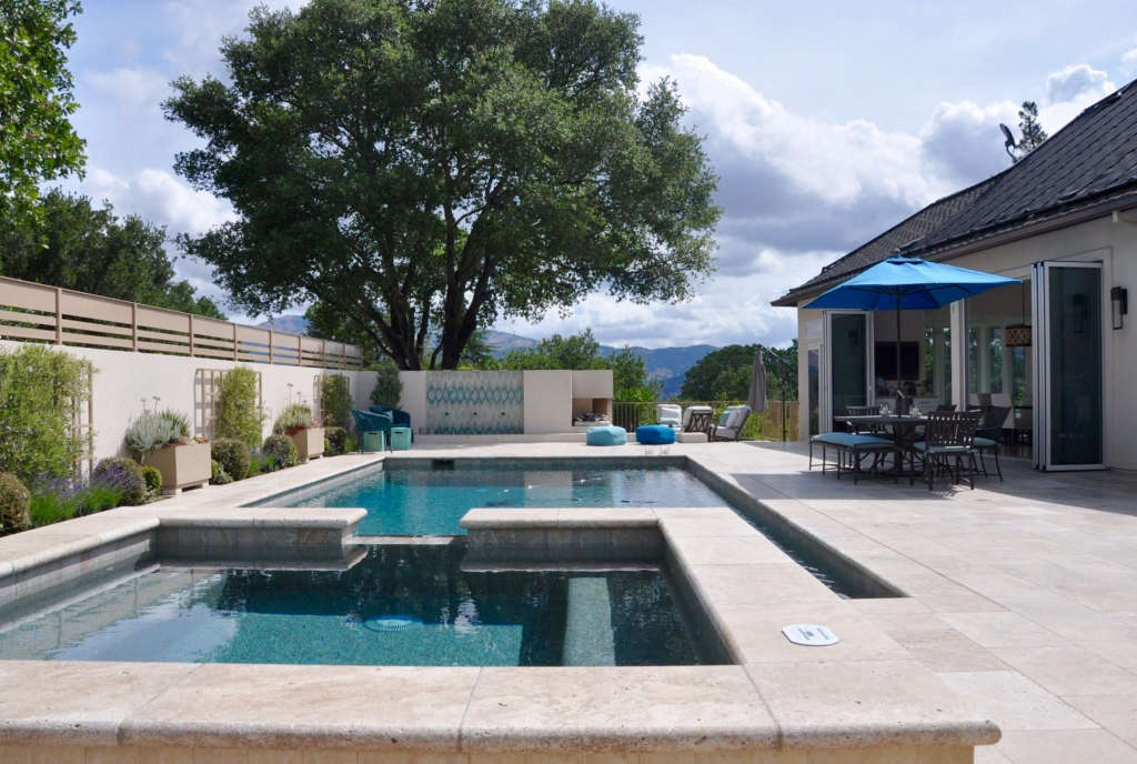 Overall view of pool