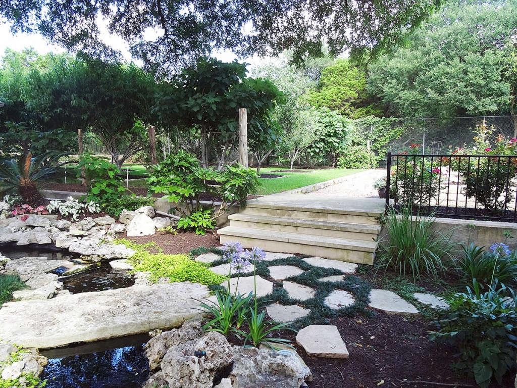 Path to garden