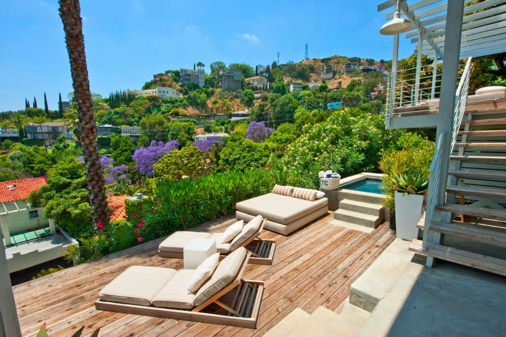 Hollywood Hills Outdoors