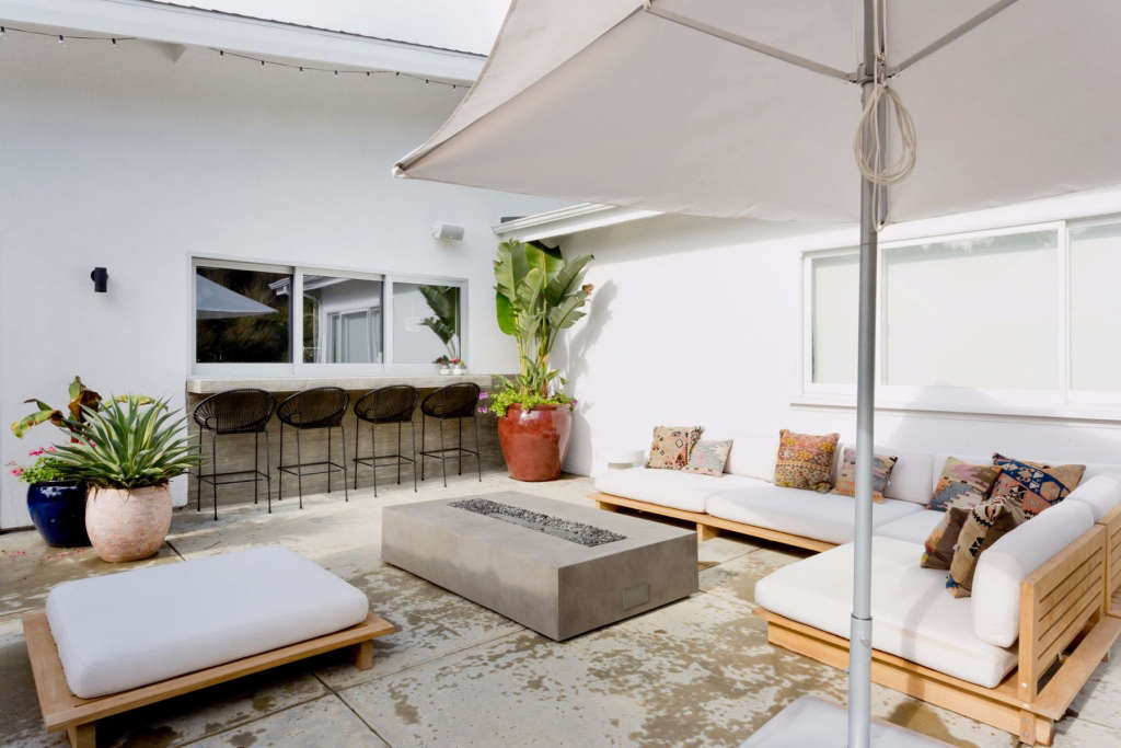 Outdoor lounge view 1