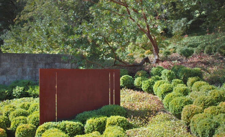 See more in Landscaping Ideas: 8 Surprising Ways to Use Cor-ten Steel in a Garden.